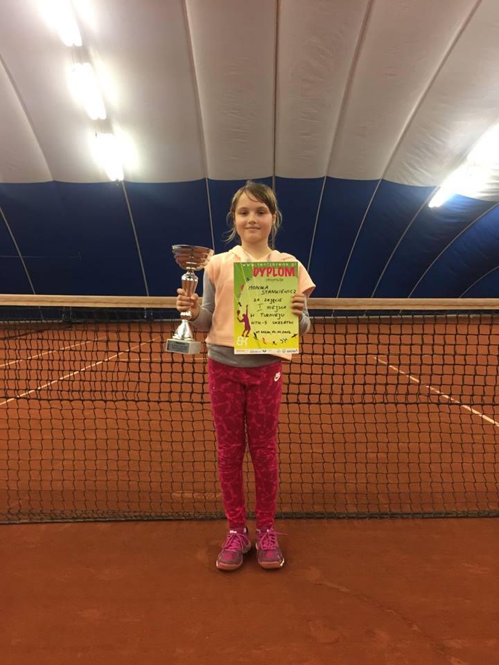 Monika Stankiewicz - zwyciężczyni turnieju tenisa WTK skrzatek w Warszawie