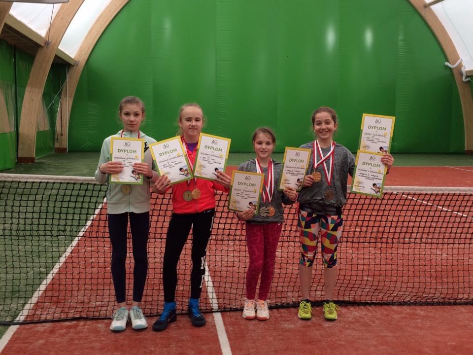 Mistrzynie w tenisie woj. mazowieckiego